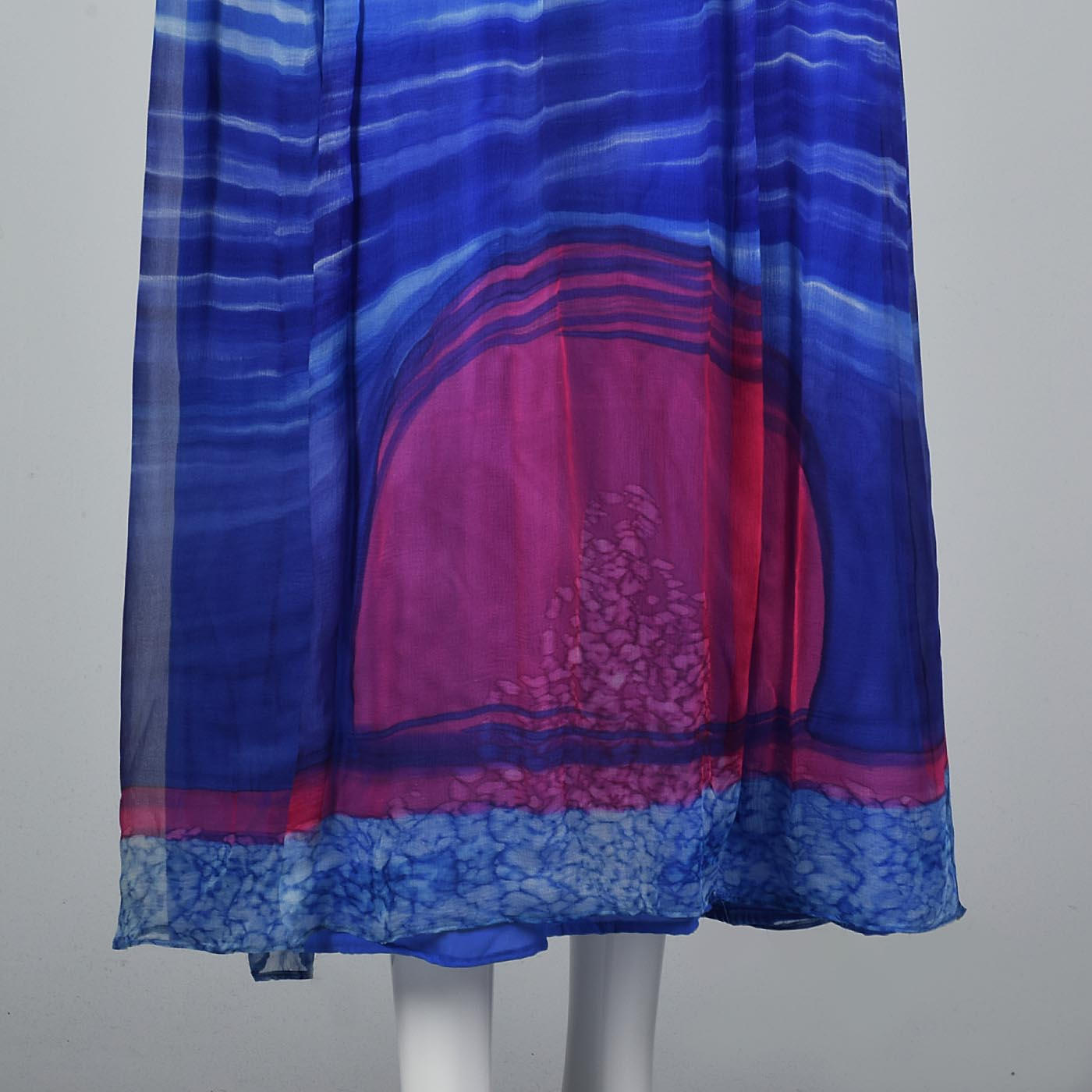Beautiful Blue Travilla Maxi Dress with Sunset Design