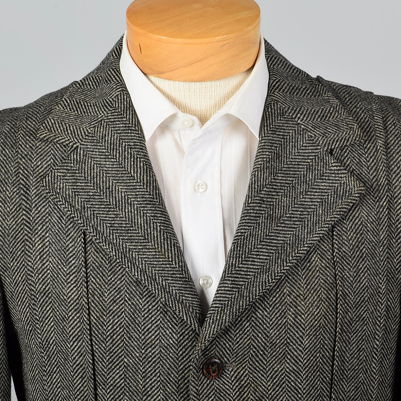 1970s Mens Herringbone Tweed Belted Norfolk Jacket