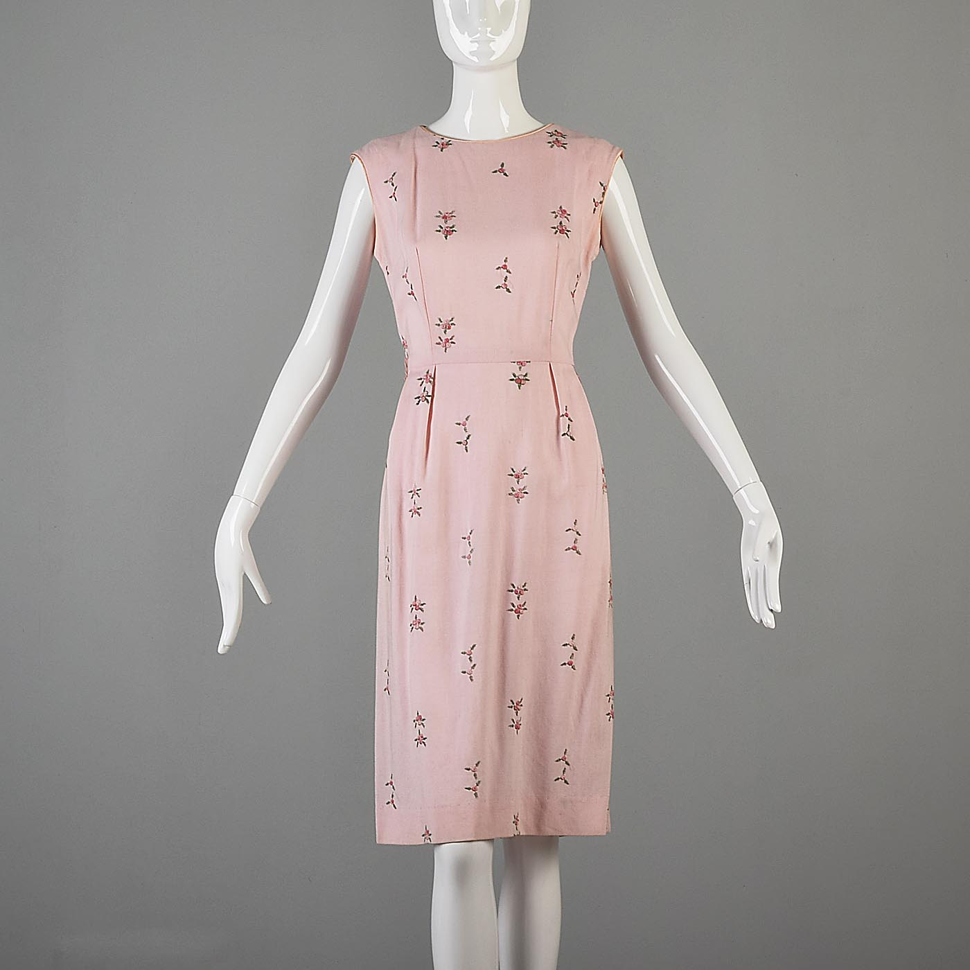 1950s Pink Sleeveless Day Dress with Floral Embroidery