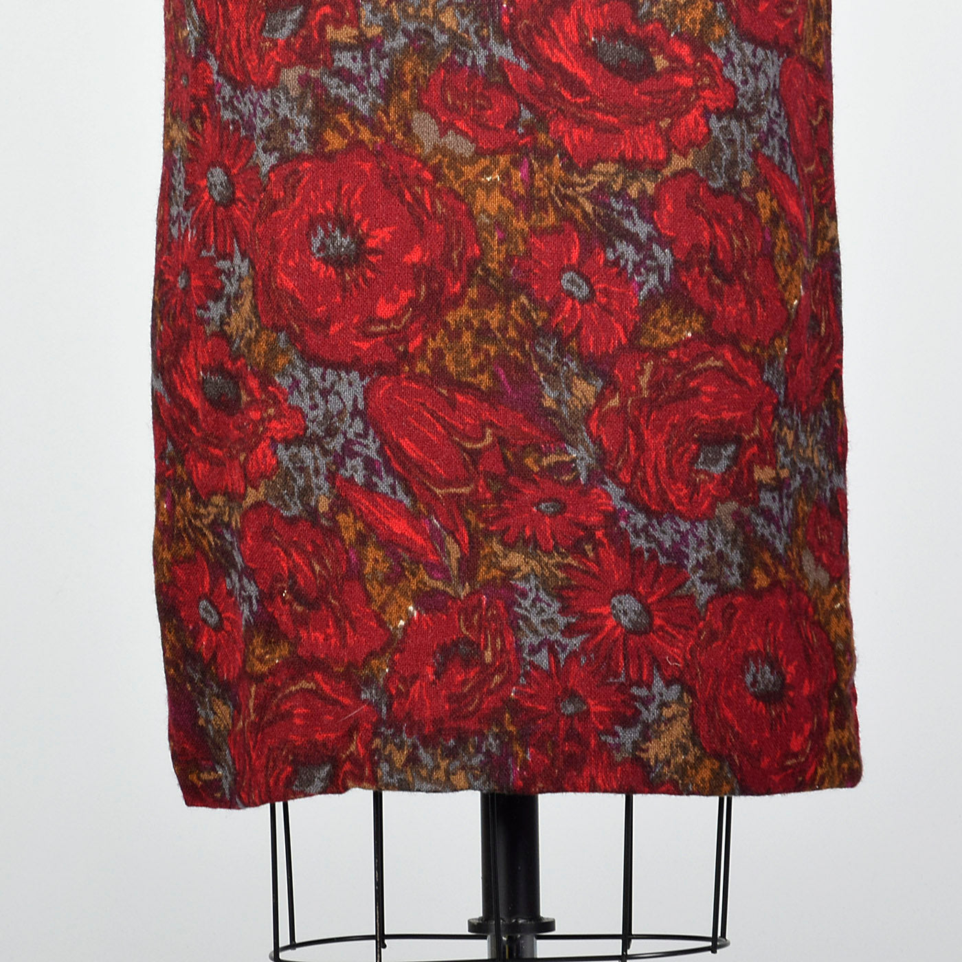 1950s Red Floral Print Dress with Great Silhouette