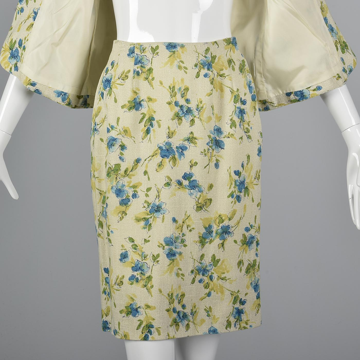 1960s Spring Skirt Suit in Floral Print