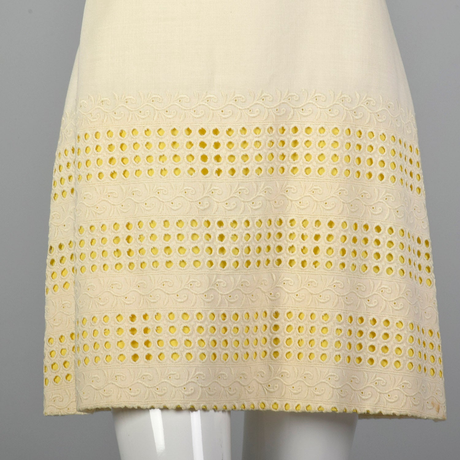 1960s Summer Day Dress with Decorative Eyelets