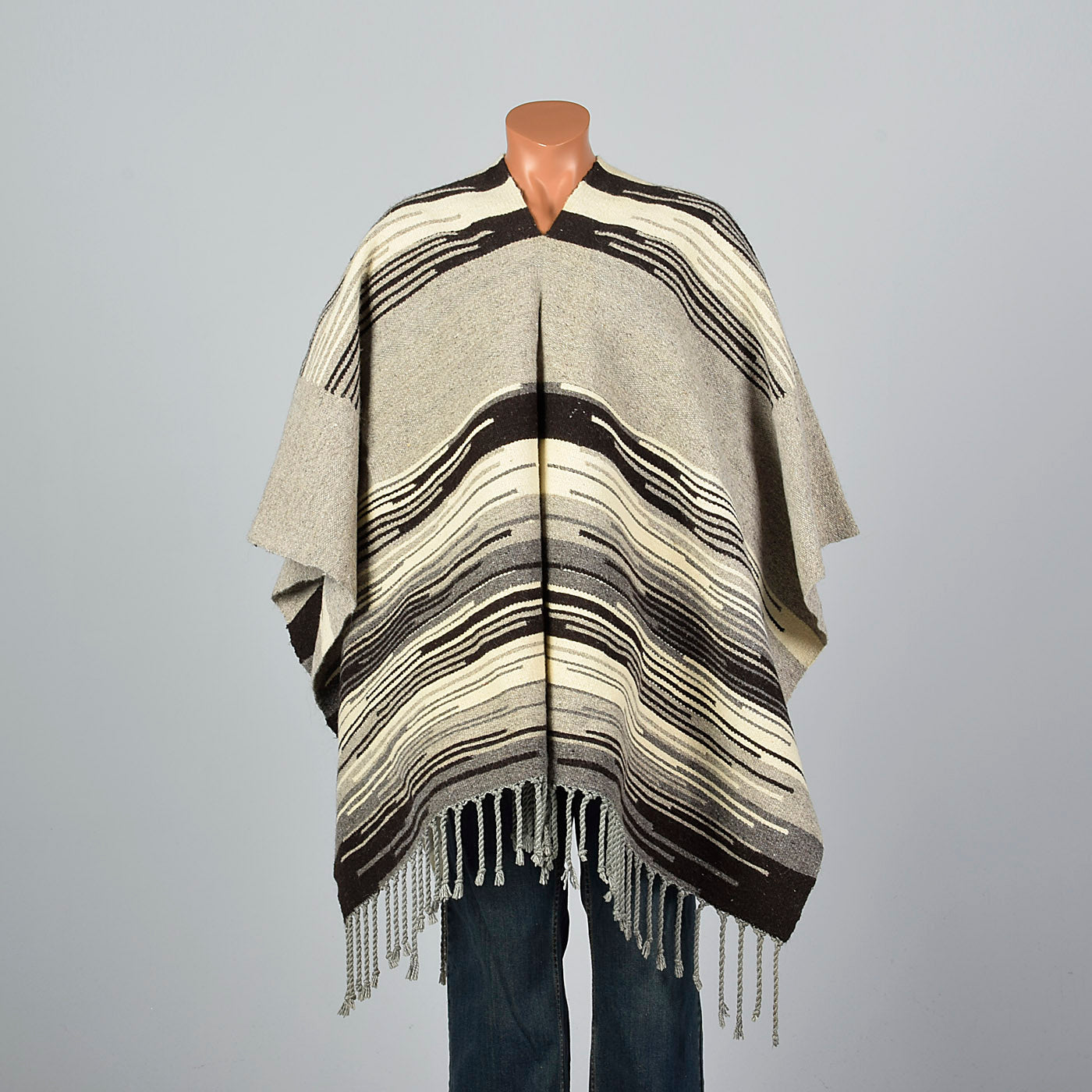 1970s Mens Mexican Wool Blanket Poncho