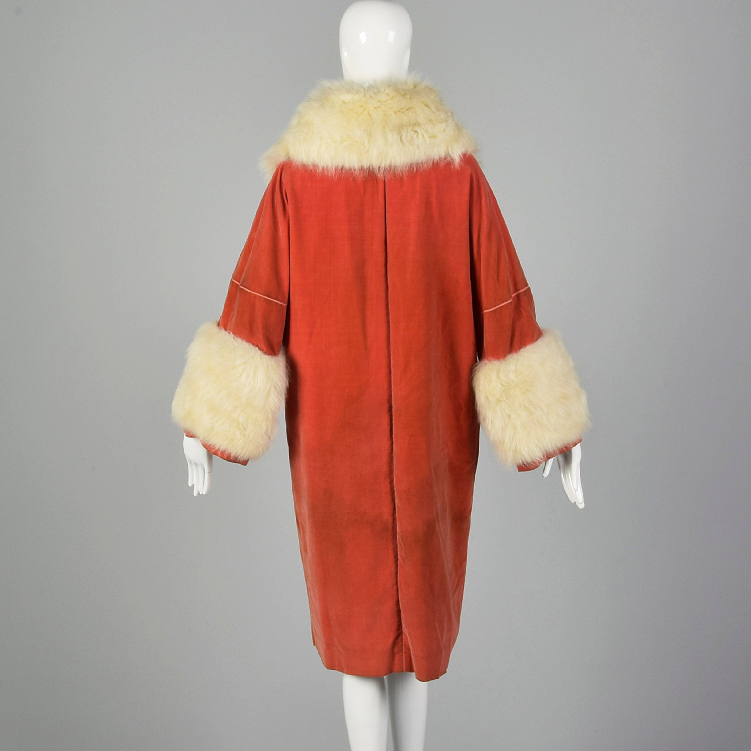 1920s Pink Velvet Cocoon Coat with Fur Collar and Cuffs