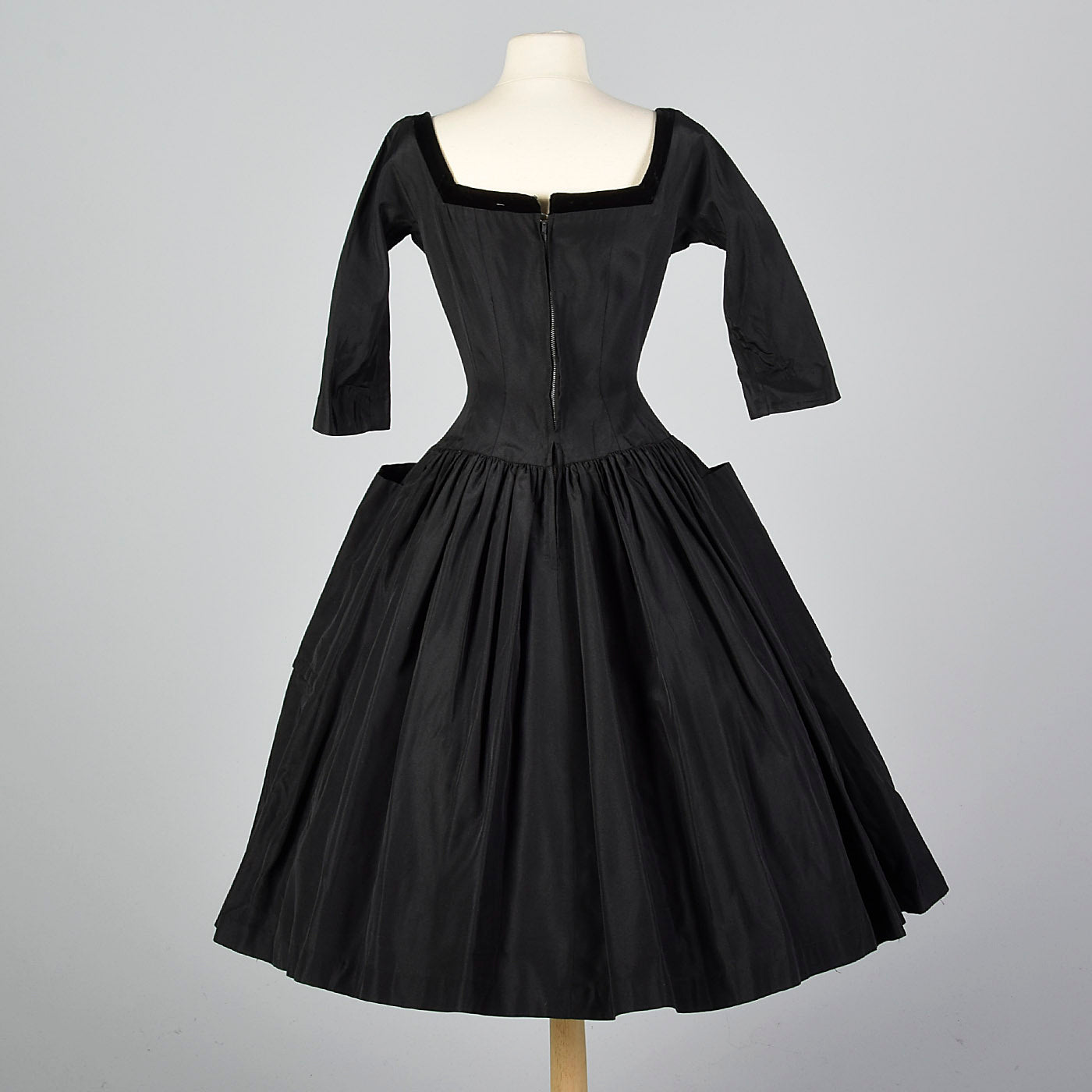 778b39080083f 1950s Black Dress with Full Circle Skirt and Patch Pockets – Style & Salvage