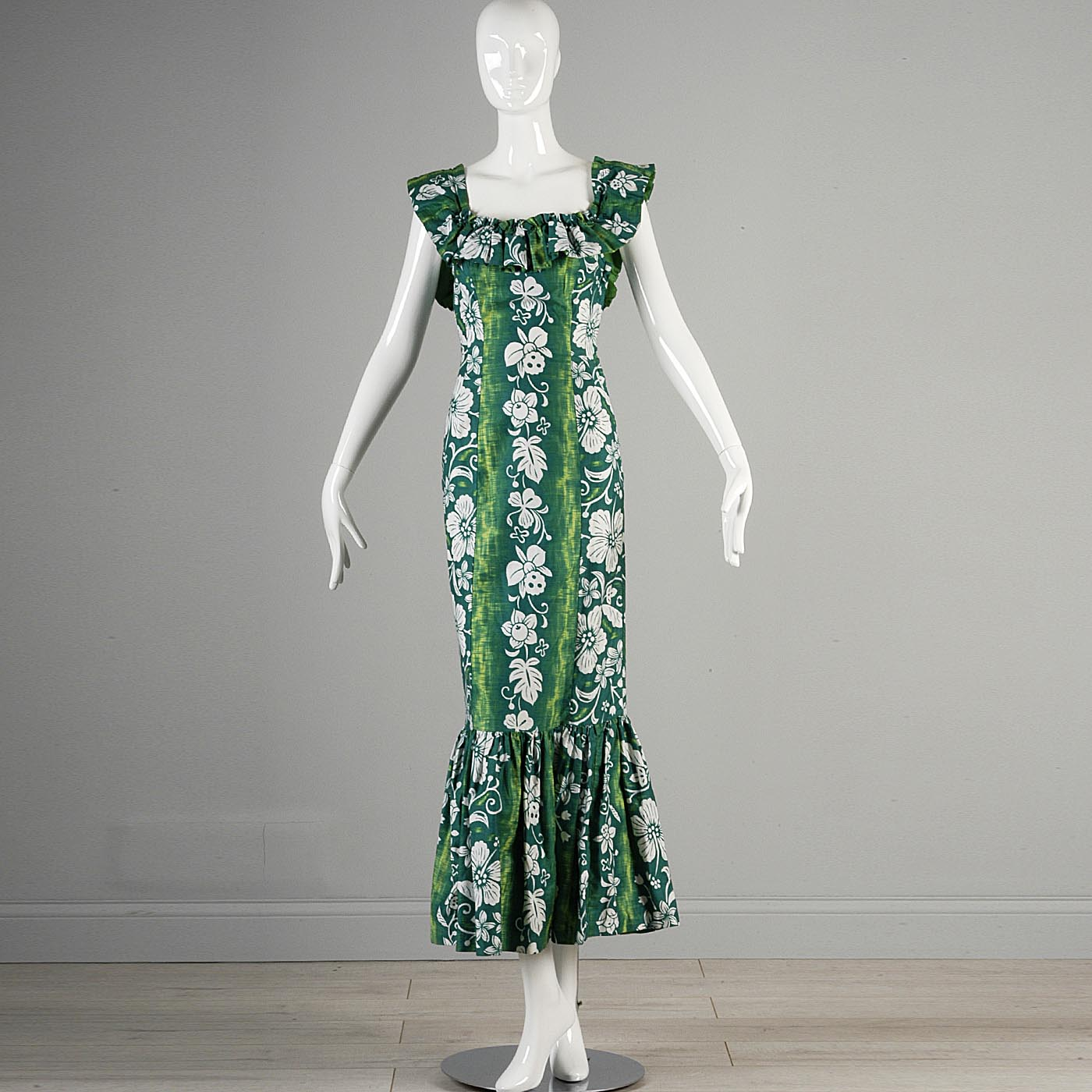 1950s Hawaiian Dress with Fishtail Hem