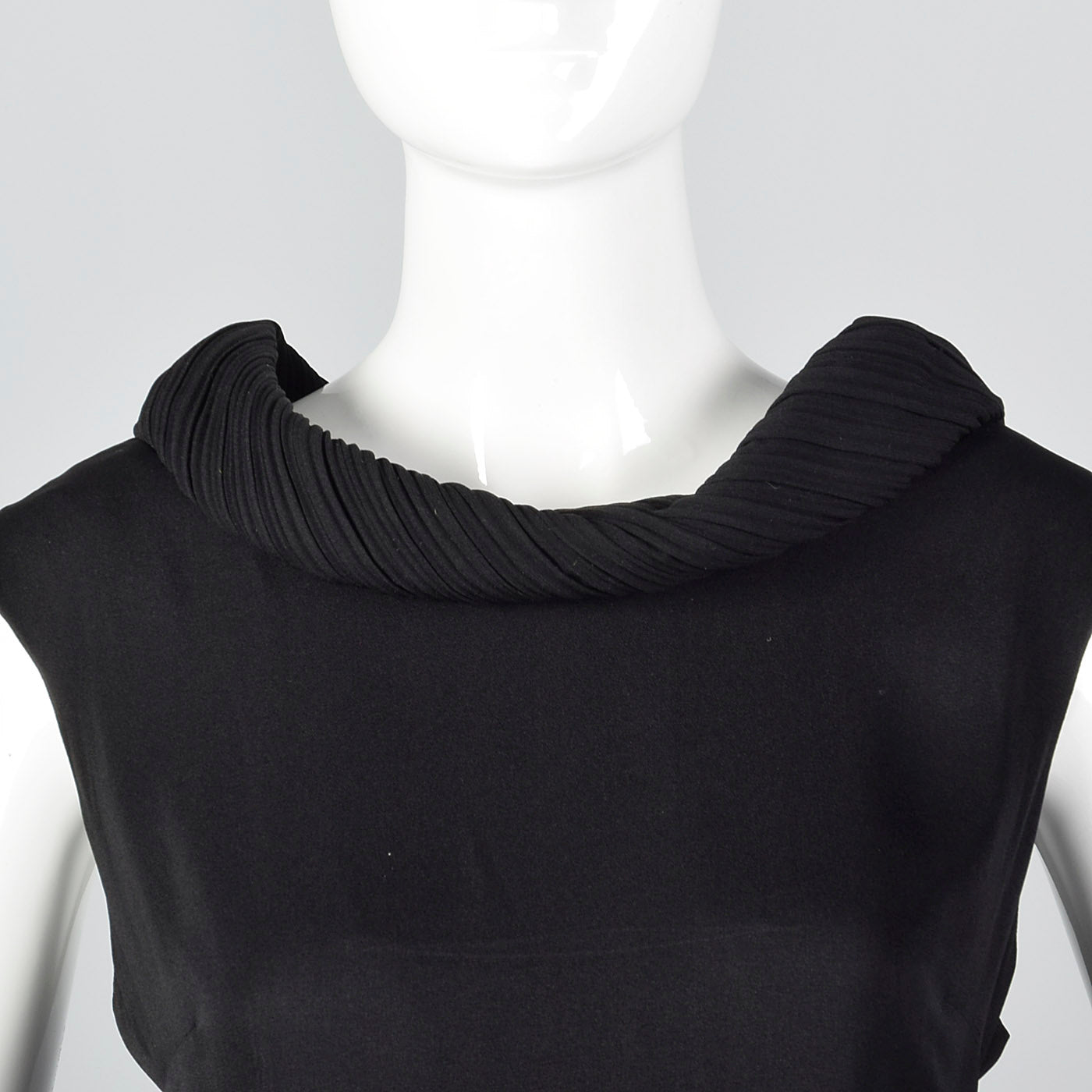 1950s Classic Black Dress with Rolled Collar