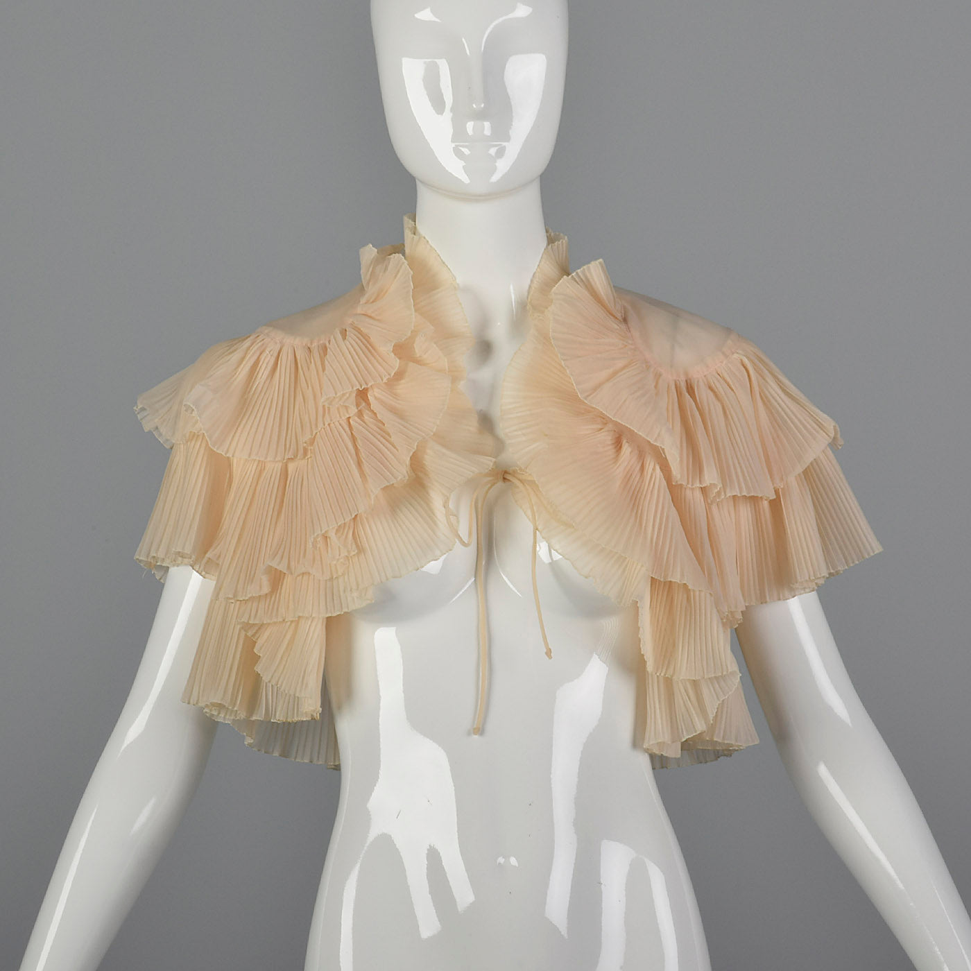 1950s Pale Pink Ruffle Bed Jacket