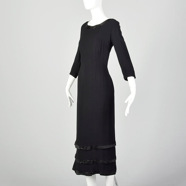 Small Late 1950s-Early 1960s Black Wiggle Dress