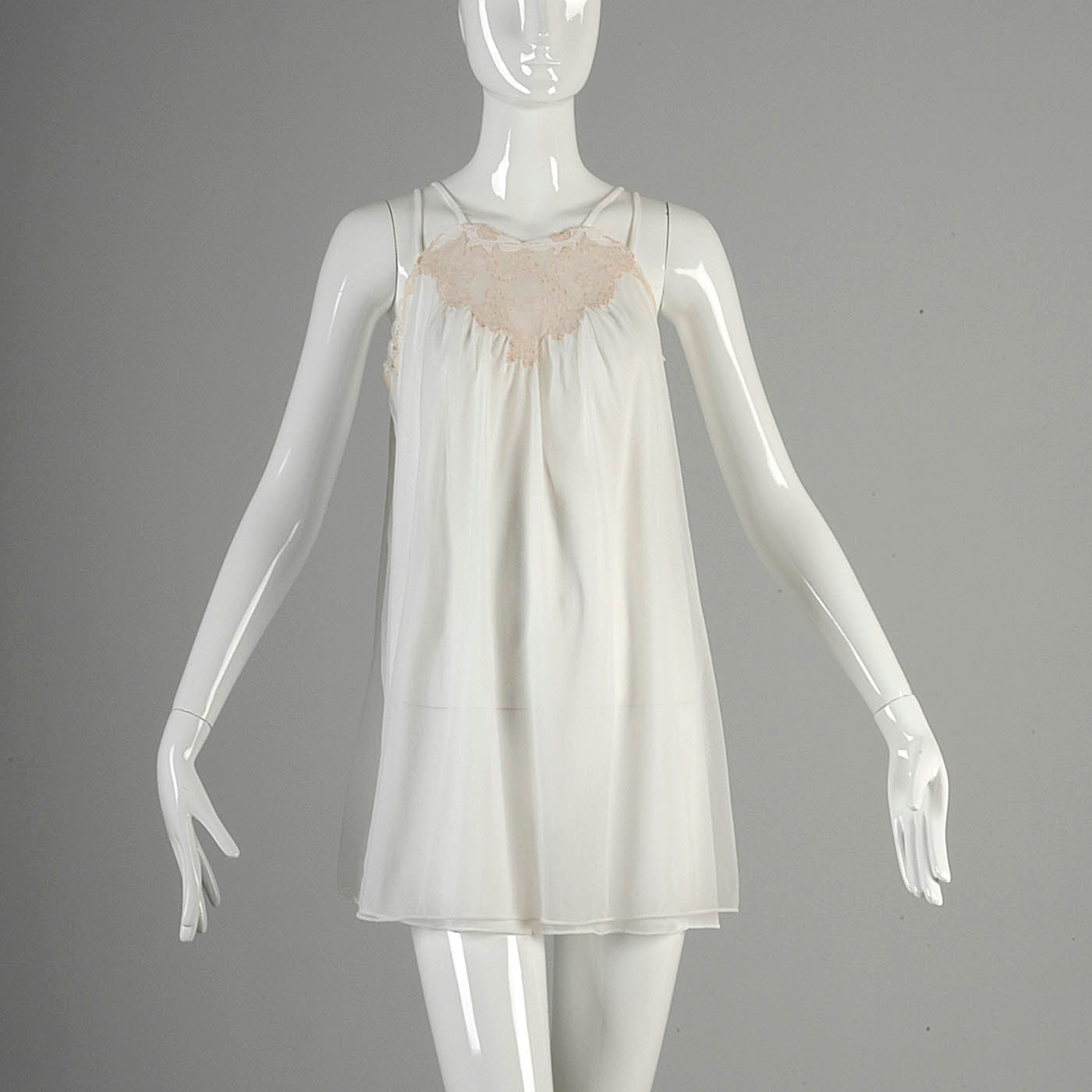 1960s White Babydoll Nightgown with Matching Peignoir