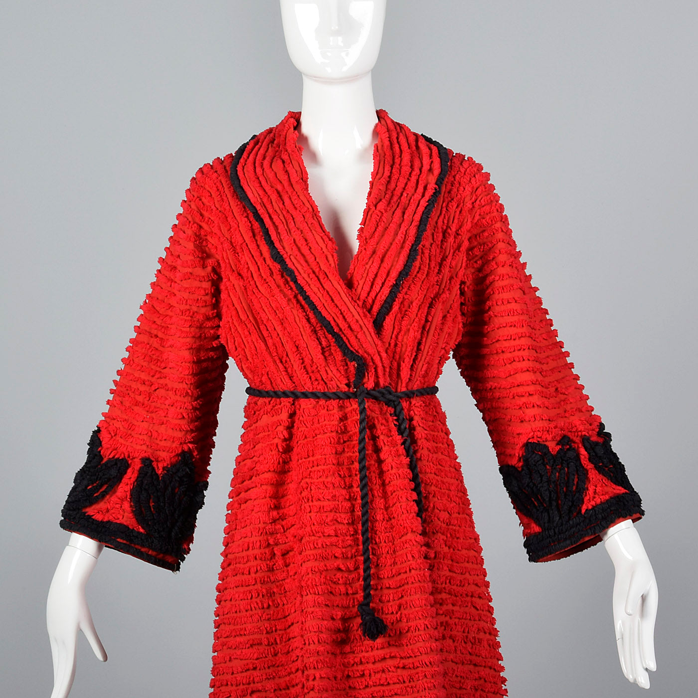 1930s Red and Black Chenille Robe