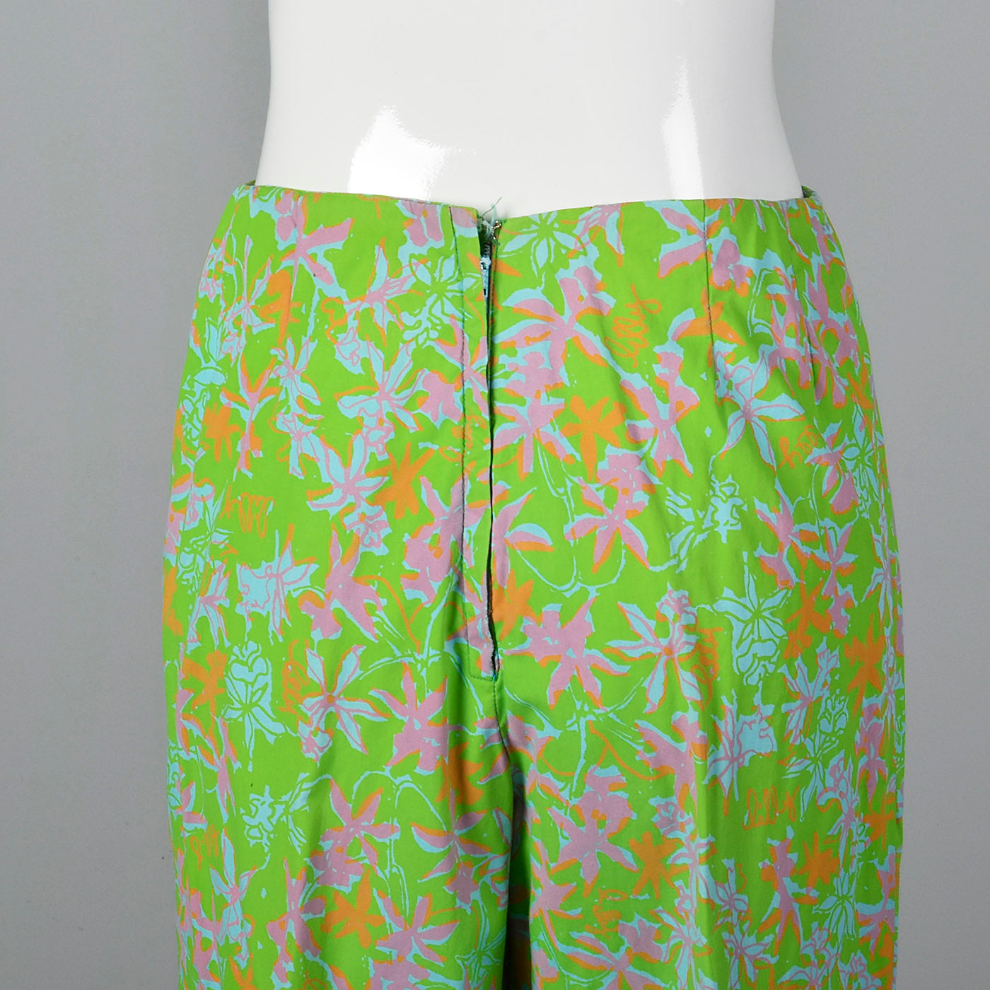 1960s Lilly Pulitzer Signature Print Cigarette Pants