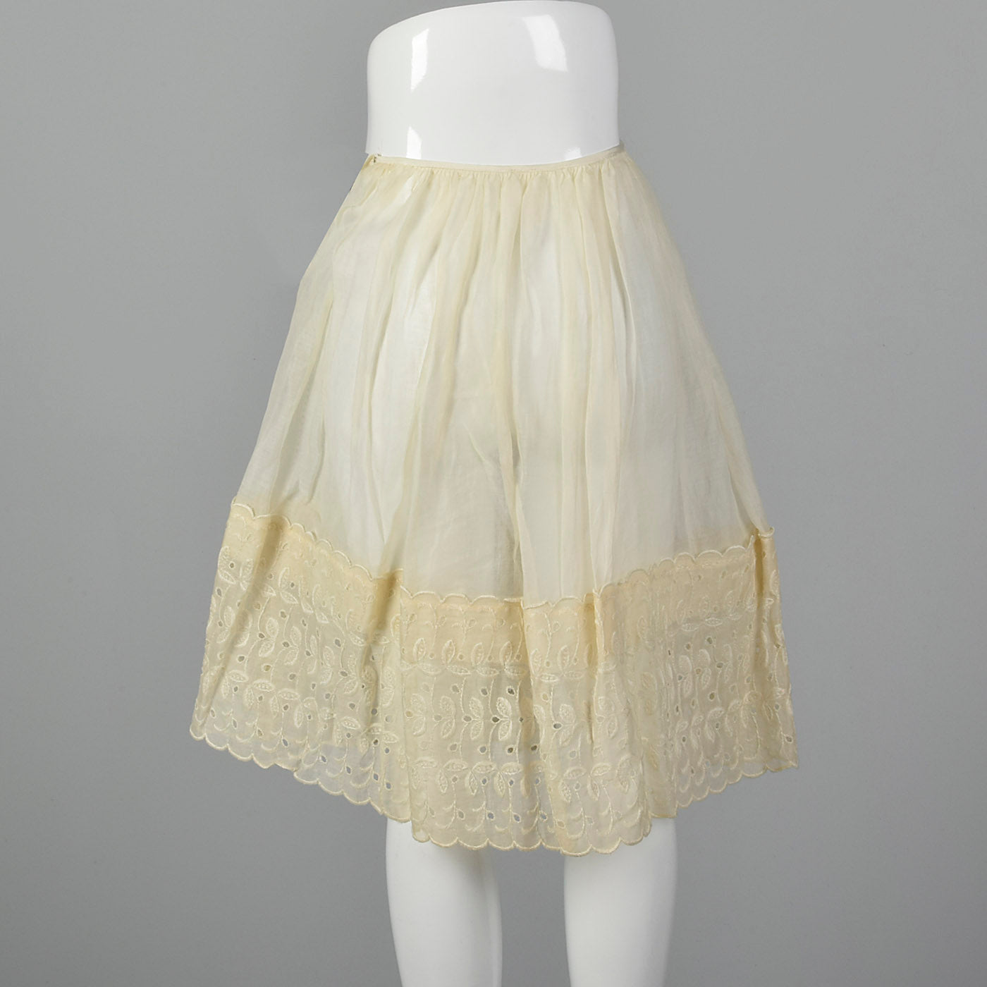 1950s Off White Cotton Eyelet Slip