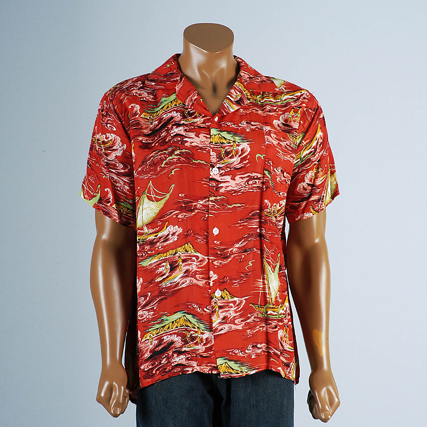 1950s Men's Rayon Hawaiian Surf Shirt with loop Collar