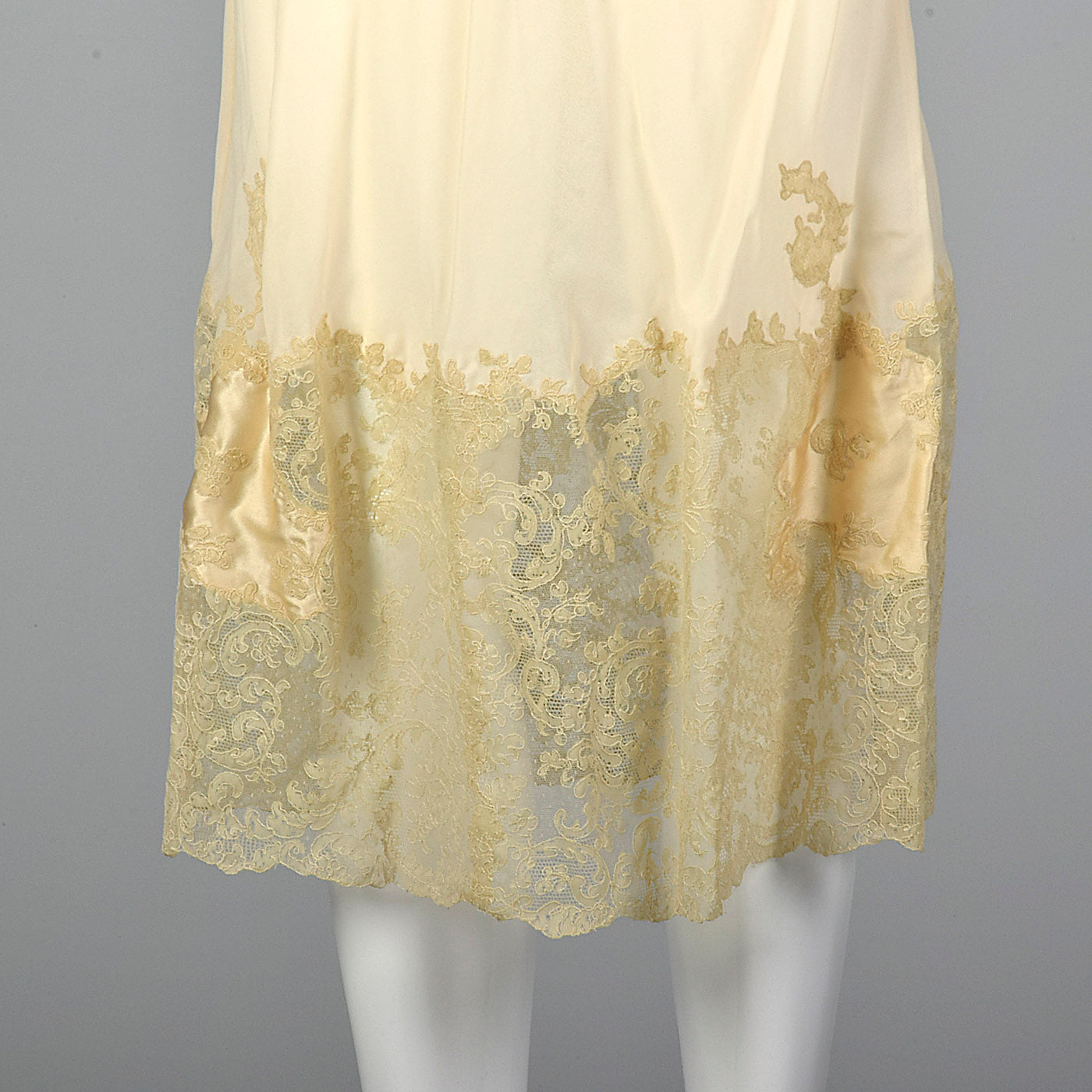 1960s Marshall Fields 28 Shop Cream Slip with Detailed Lace Trim