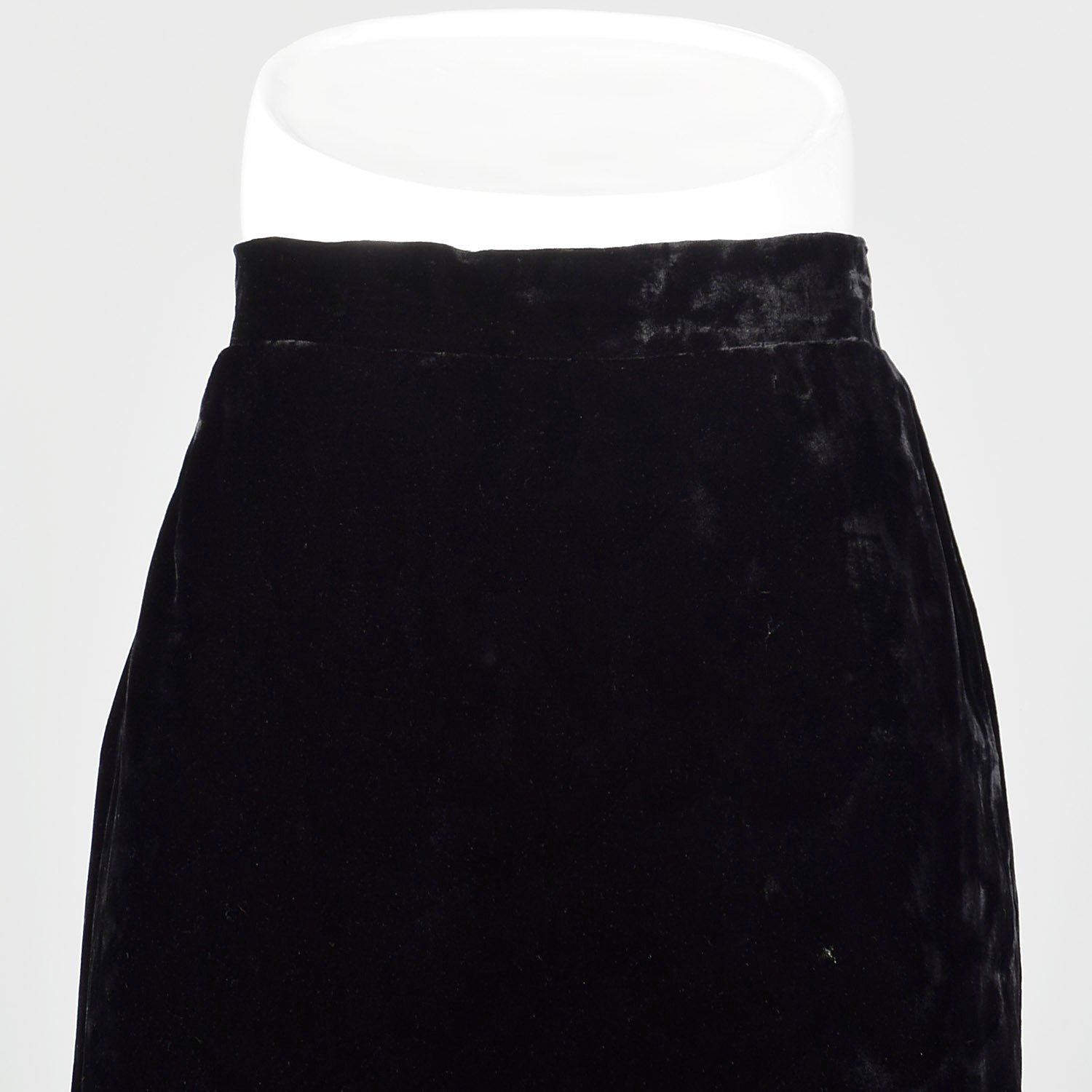 Large Gianfranco Ferre Black 1980s Velvet Pencil Skirt