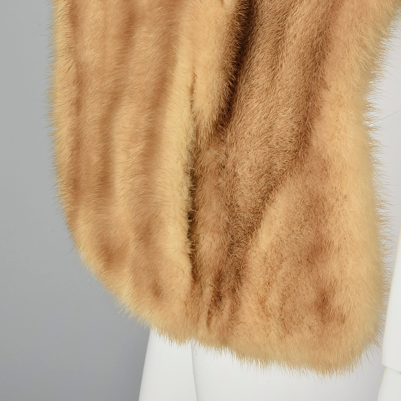 1960s Buff Mink Stole with Pockets
