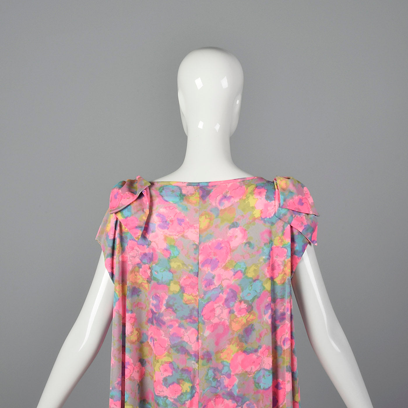 1960s Lucie Ann Wrap Robe in Pink Floral Print