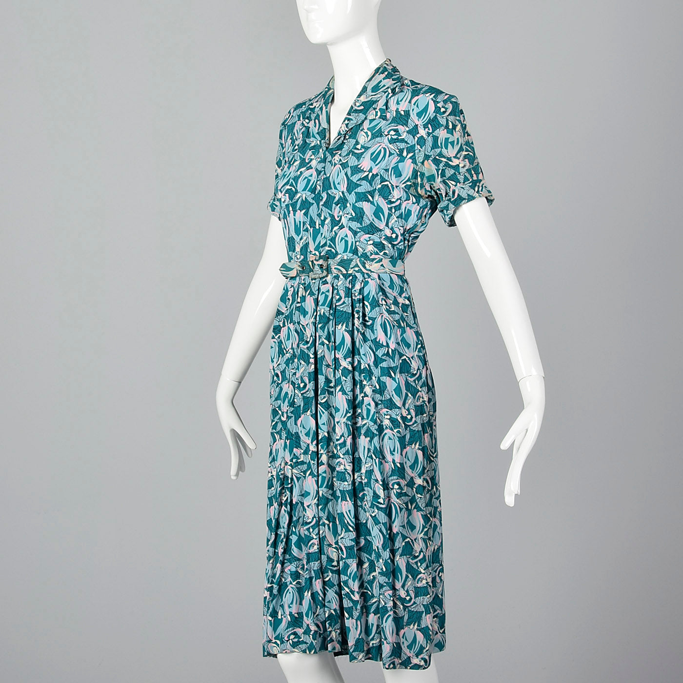 1940s Rayon Dress in Novelty Dancing Ladies Print