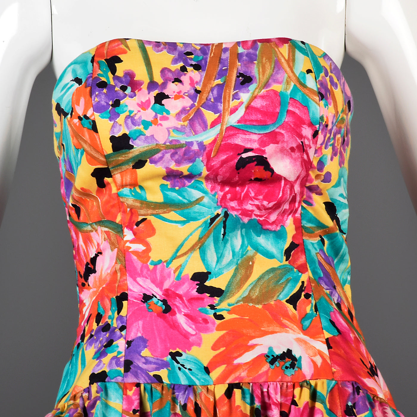 1980s Victor Costa Floral Strapless Summer Day Dress in a Colorful Floral Print