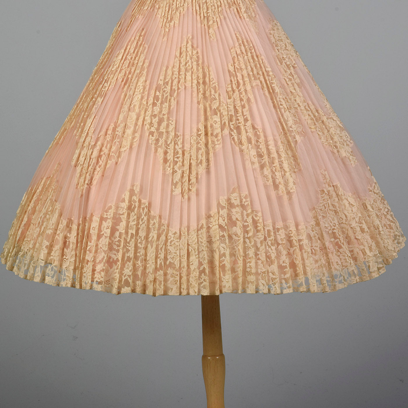 1950s Pink Lace Pleated Wedding Dress