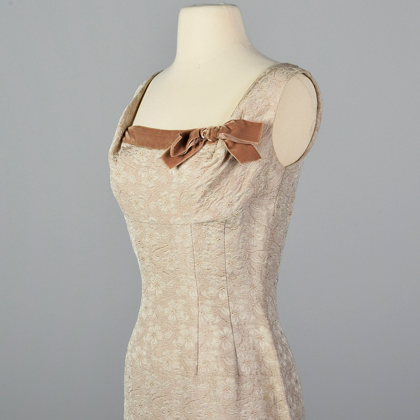 1950s Tan Dress with Mermaid Skirt