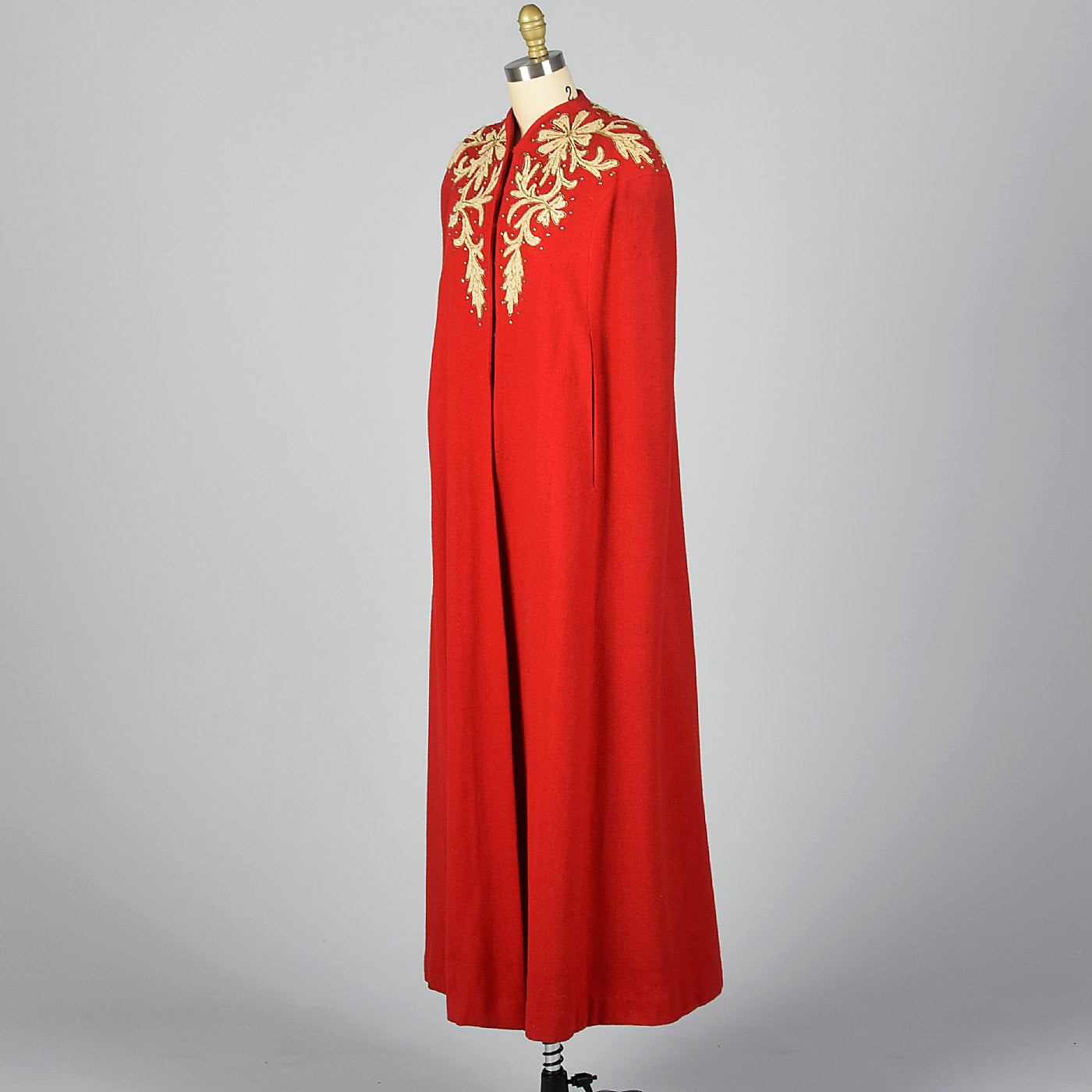1940s Glamorous Red Cape
