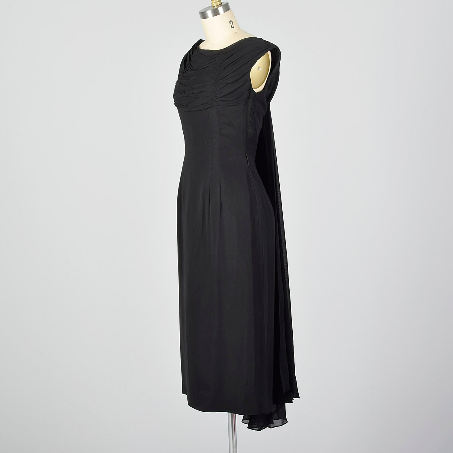 XS 1950s Black Cocktail Dress with Train