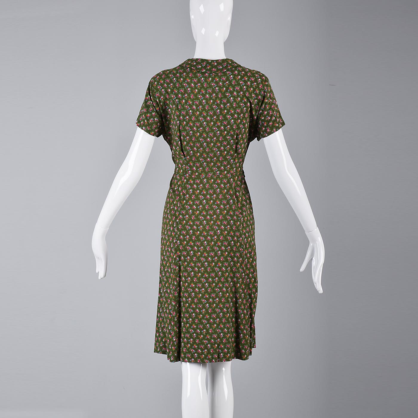 1940s Green Day Dress with Pink Floral Print