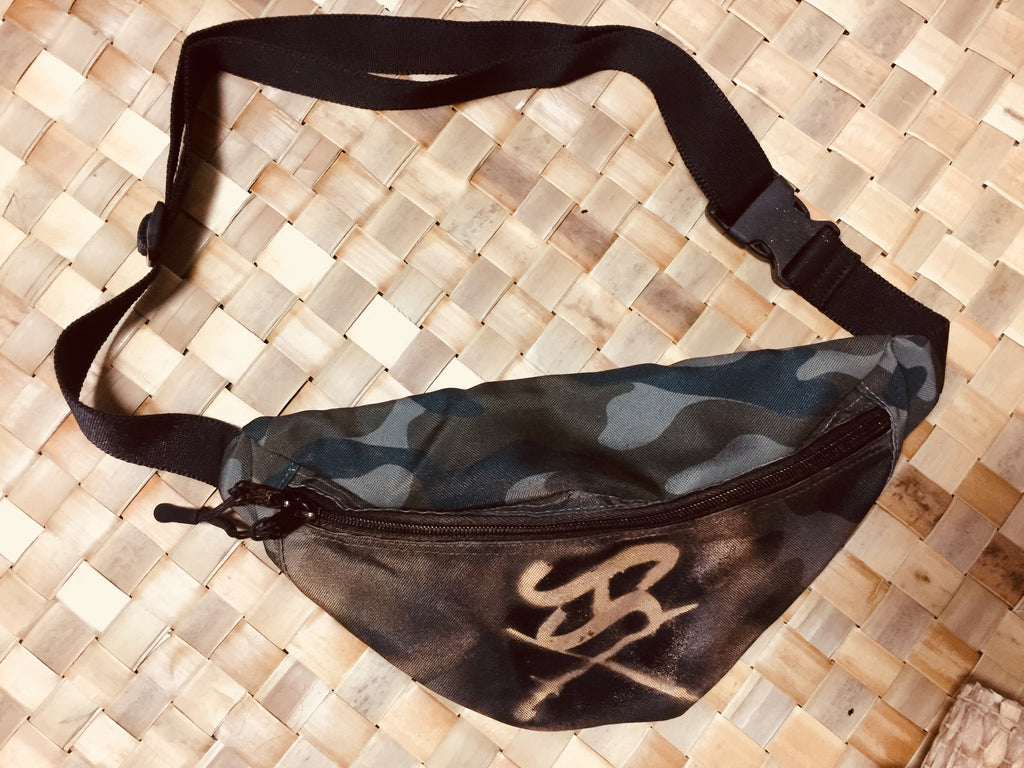 Logo waist pack custom painted