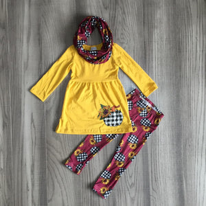 [PREORDER] Buffalo Plaid / Sunflower Pumpkins Scarf Outfit - Fall Preorder