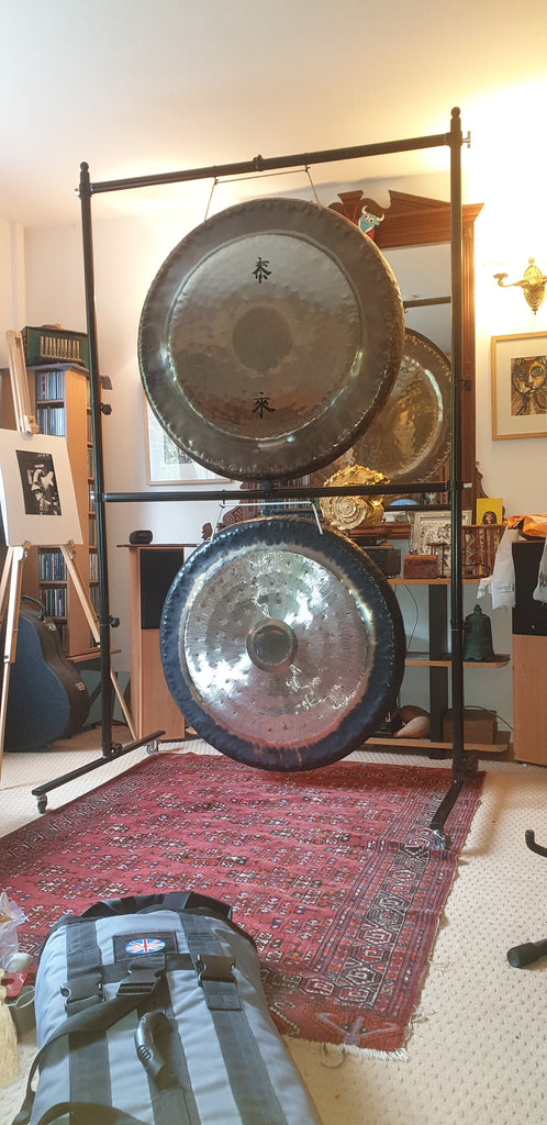 Global Gong Stand with travel bag.