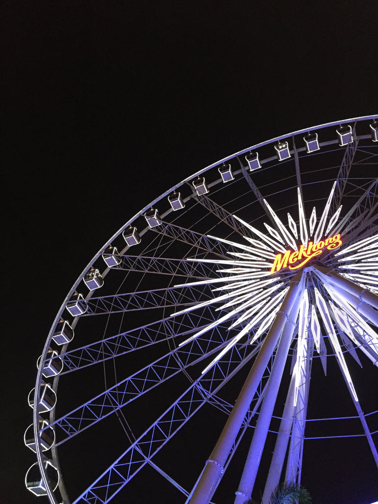 Asiatique ferris wheel at night - Naiise.com