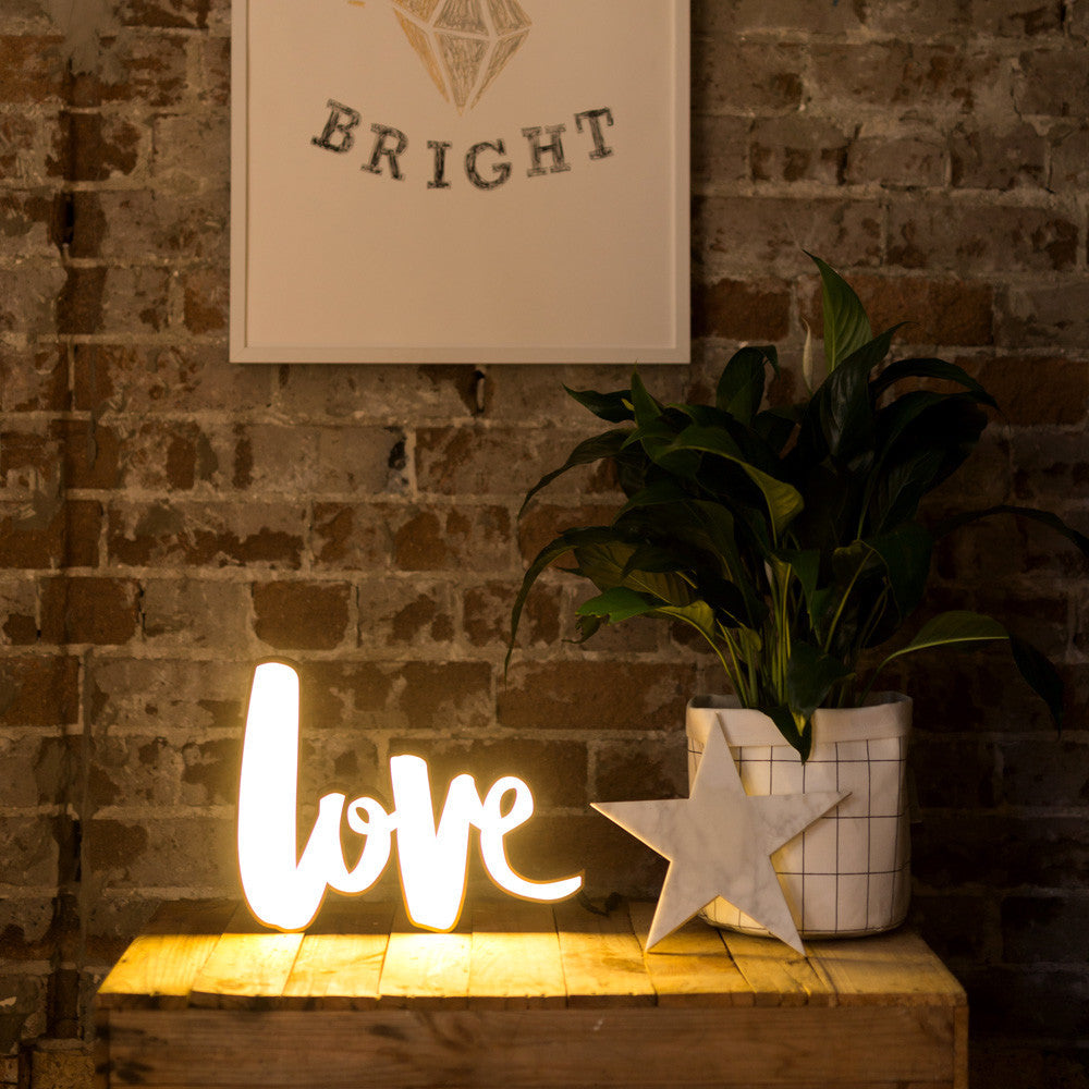 Naiise.com - Lovestruck Homeware Love Light