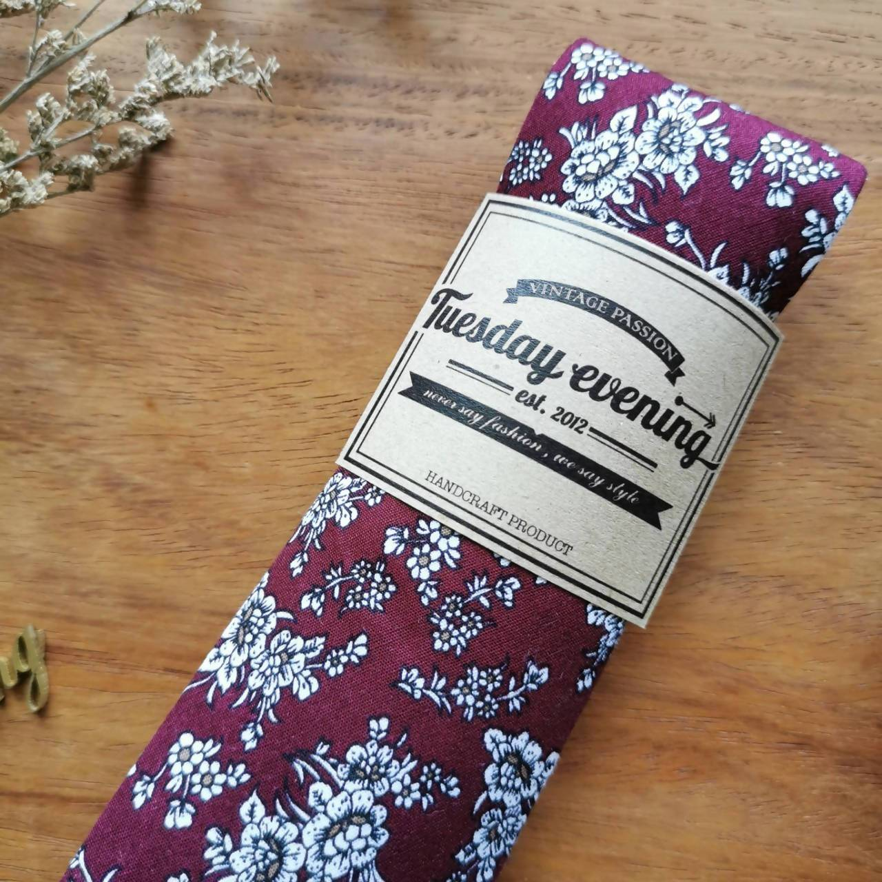 Necktie in Floral Red | Green | Brown | Navy - Ties - Tuesday Evening - Naiise