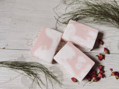 Bath Soap - Roses Geranium Bloom - Soaps - Alletsoap - Naiise