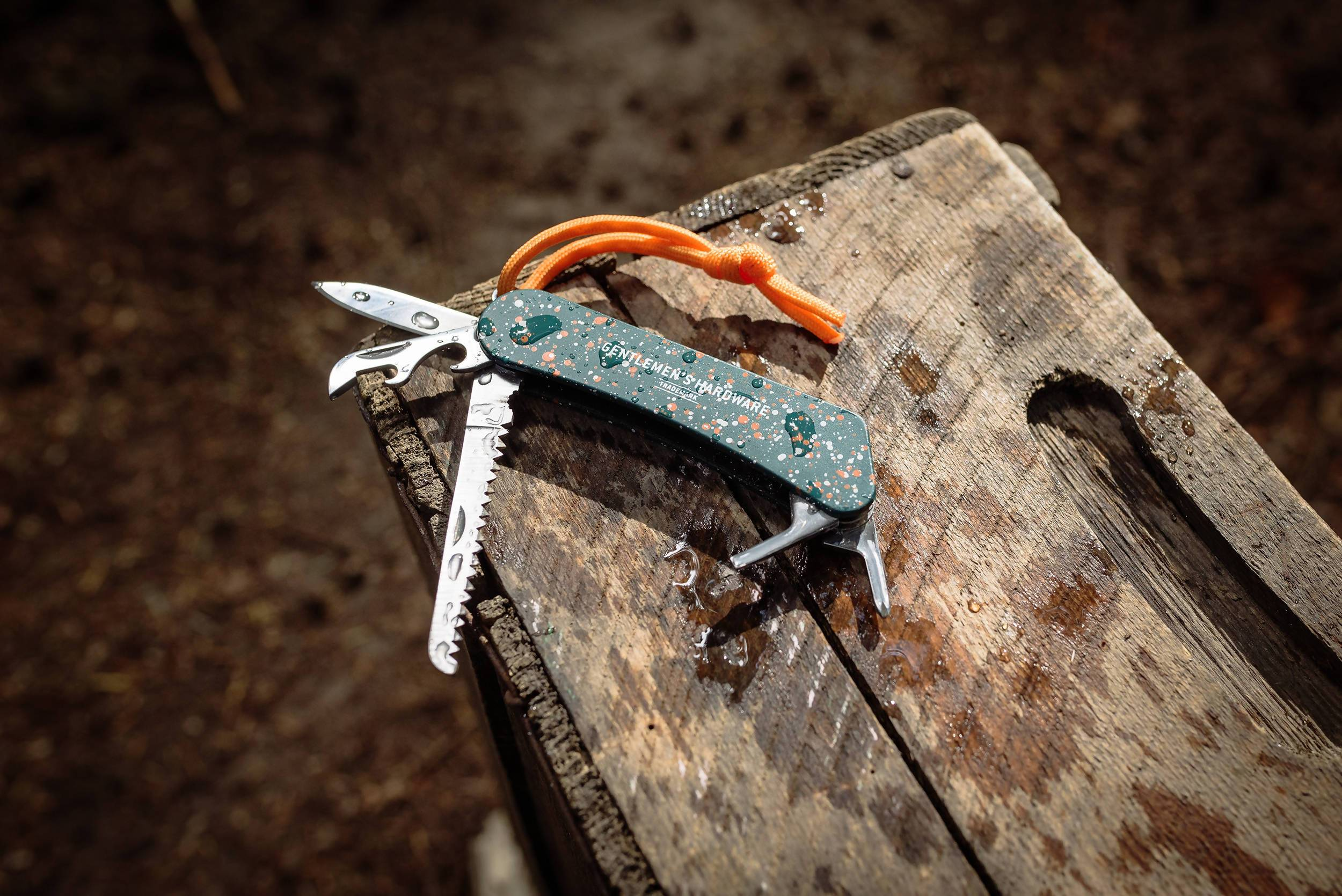 The Gentlemen's Hardware - Wilderness Multi-Tool - Travel Accessories - The Planet Collection - Naiise
