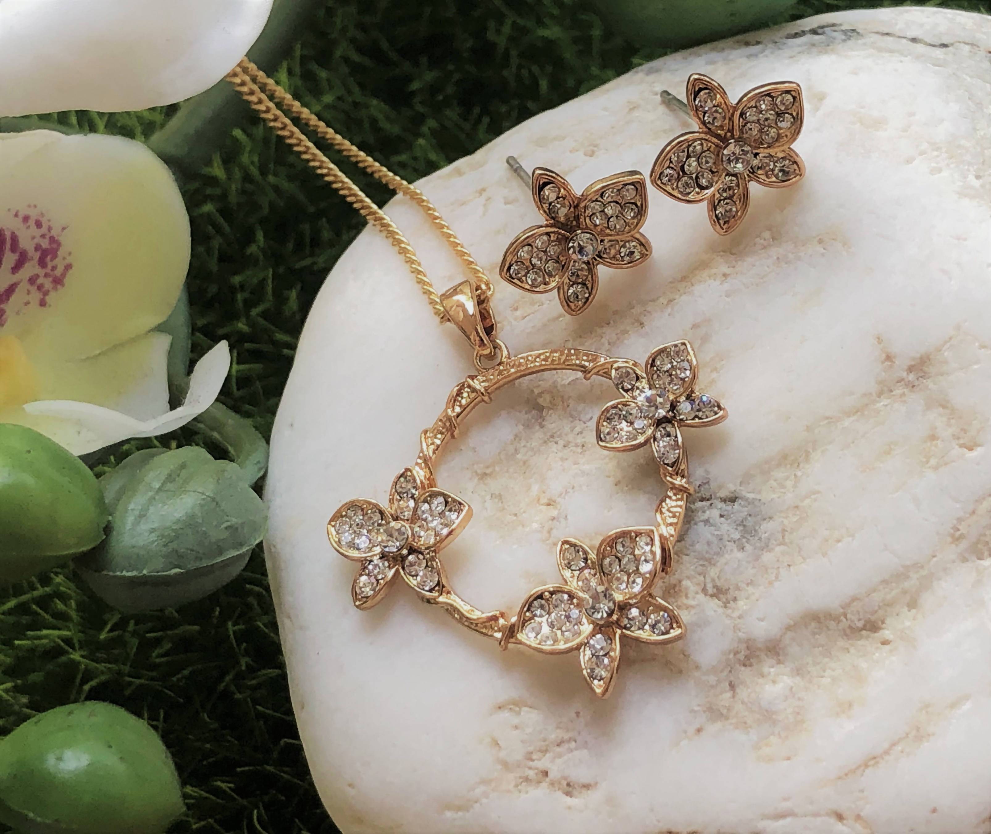 Cattleya: Rose Gold Plated Orchid Pendant Embellished with Crystals - Pendants - Forest Jewelry - Naiise