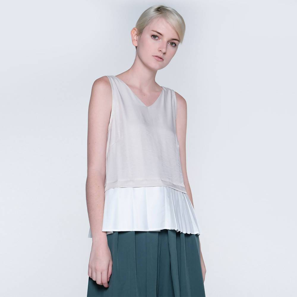 Axel Dual Colour Pleated Top in Hazelnut - Women's Tops - Salient Label - Naiise