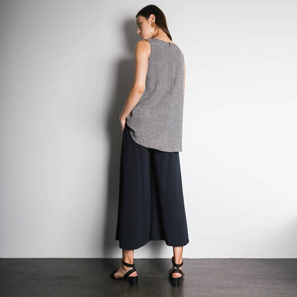 Ketel Hi-lo Hemline Top in Dark Grey - Women's Tops - Salient Label - Naiise