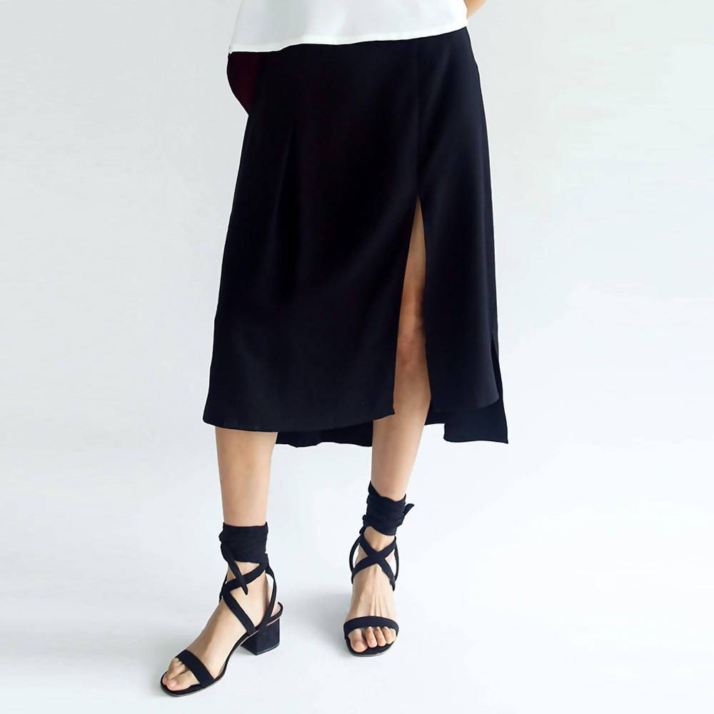 Bamboo Fiber Hi-lo Skirt with Slit Black - Skirts - Salient Label - Naiise