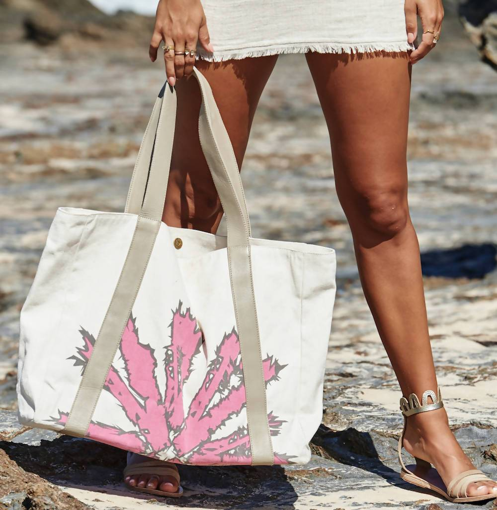 Beach Bag in Pink - Tote Bags - Akosée - Naiise