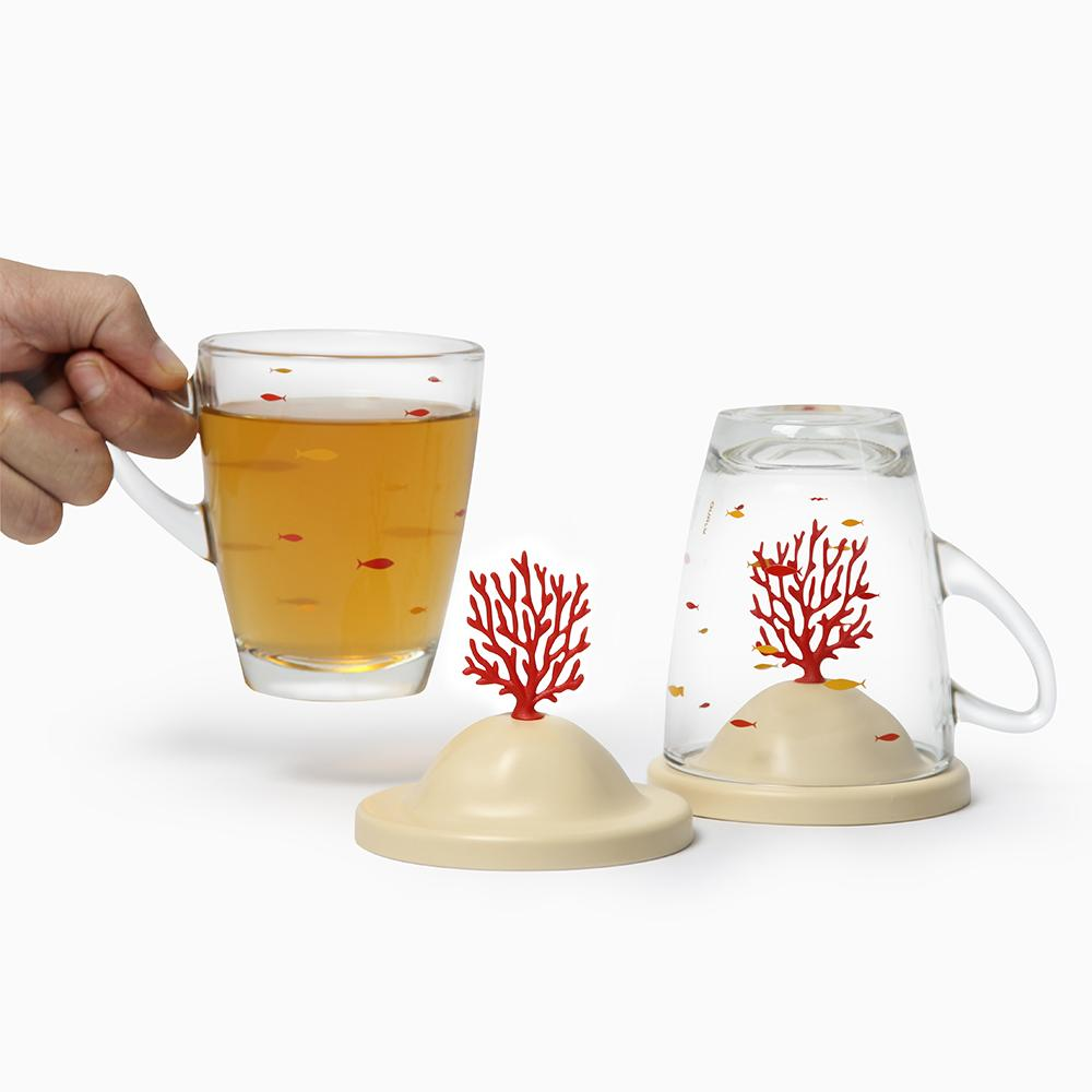 Bleaching Coral Glass Mug and Lid/Holder (Coral Red) Mugs Qualy