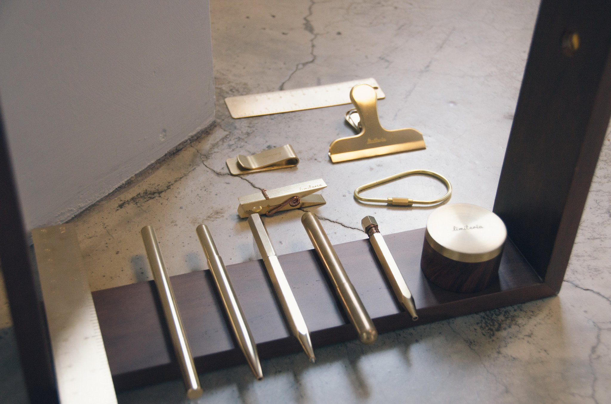 Brass Card Holder - Desk Card Holders - Limiteria - Naiise