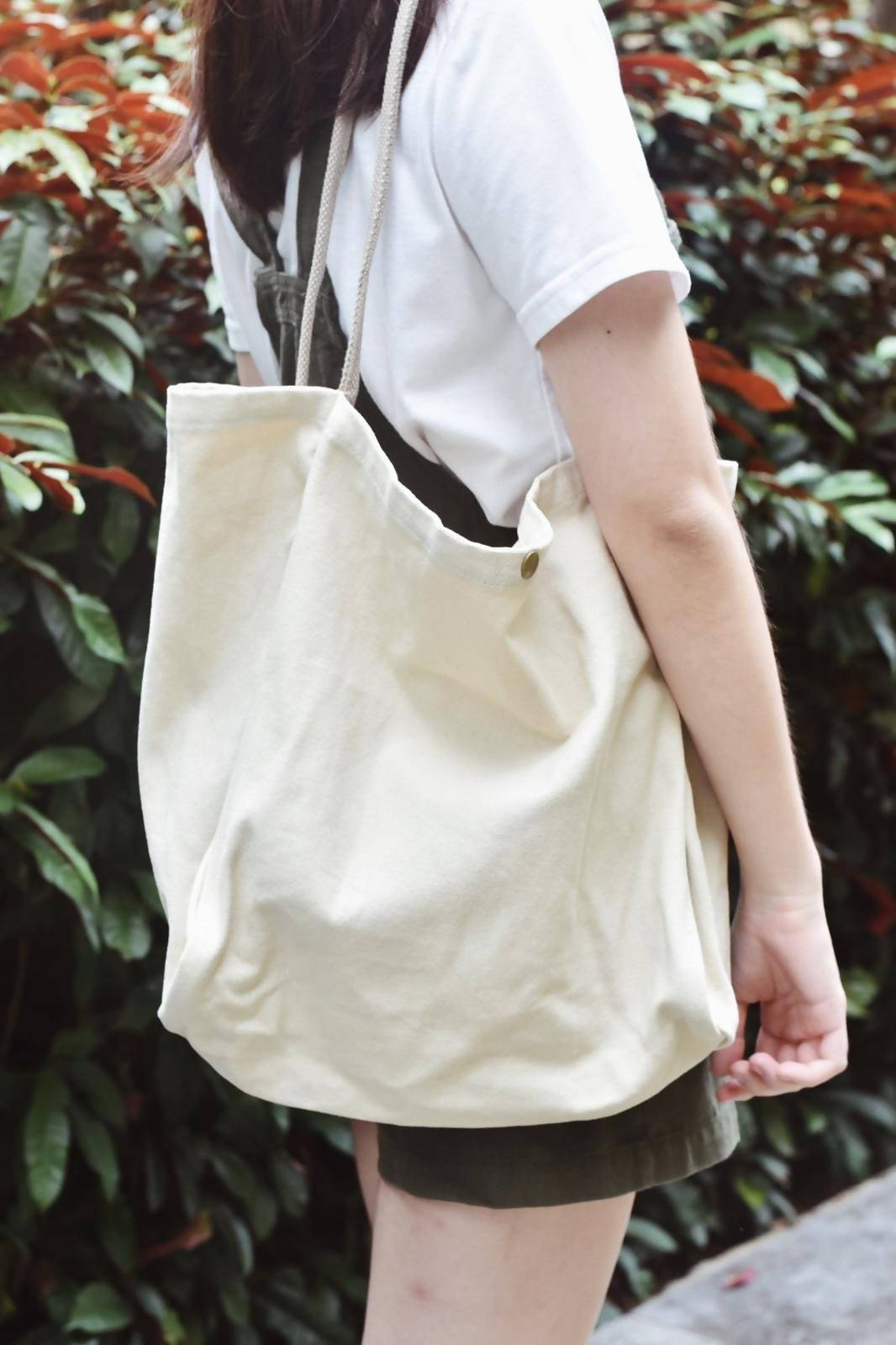 Dahlia - Tote Bags - The Hiatus Label - Naiise