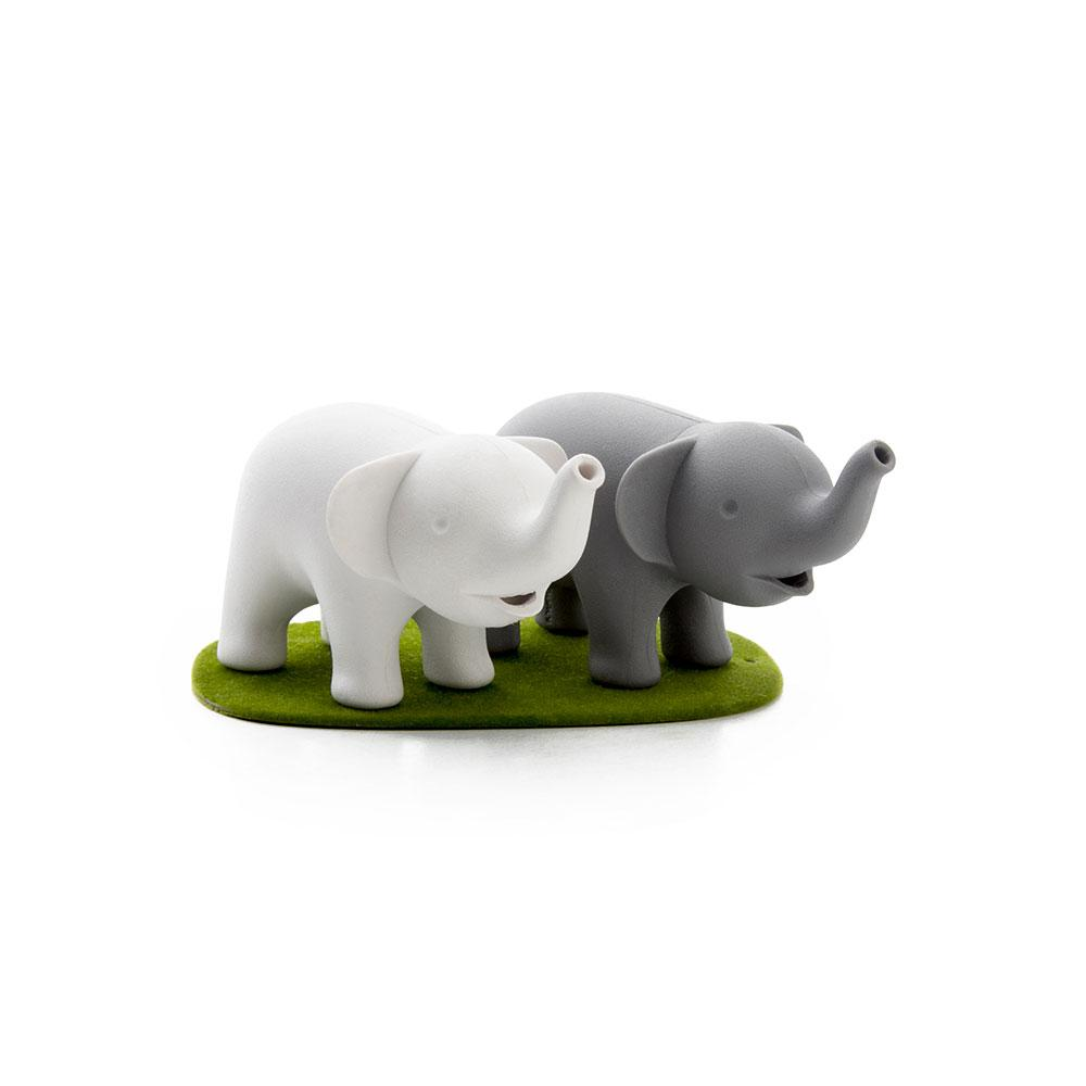 Duo Elephant Salt and Pepper Shaker Seasoning Holders Qualy