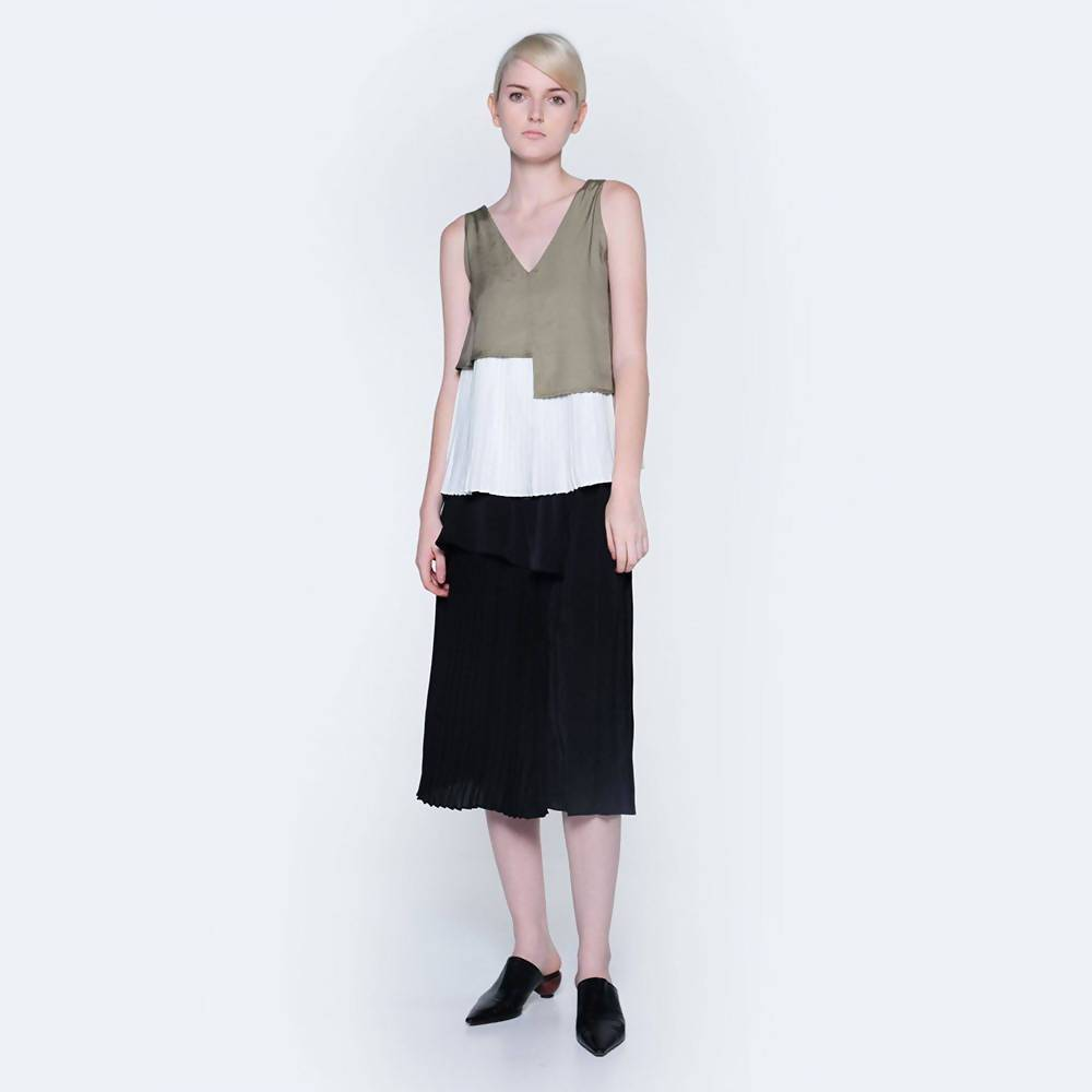Elkin Pleated Colourblock Skirt in Onyx - Skirts - Salient Label - Naiise