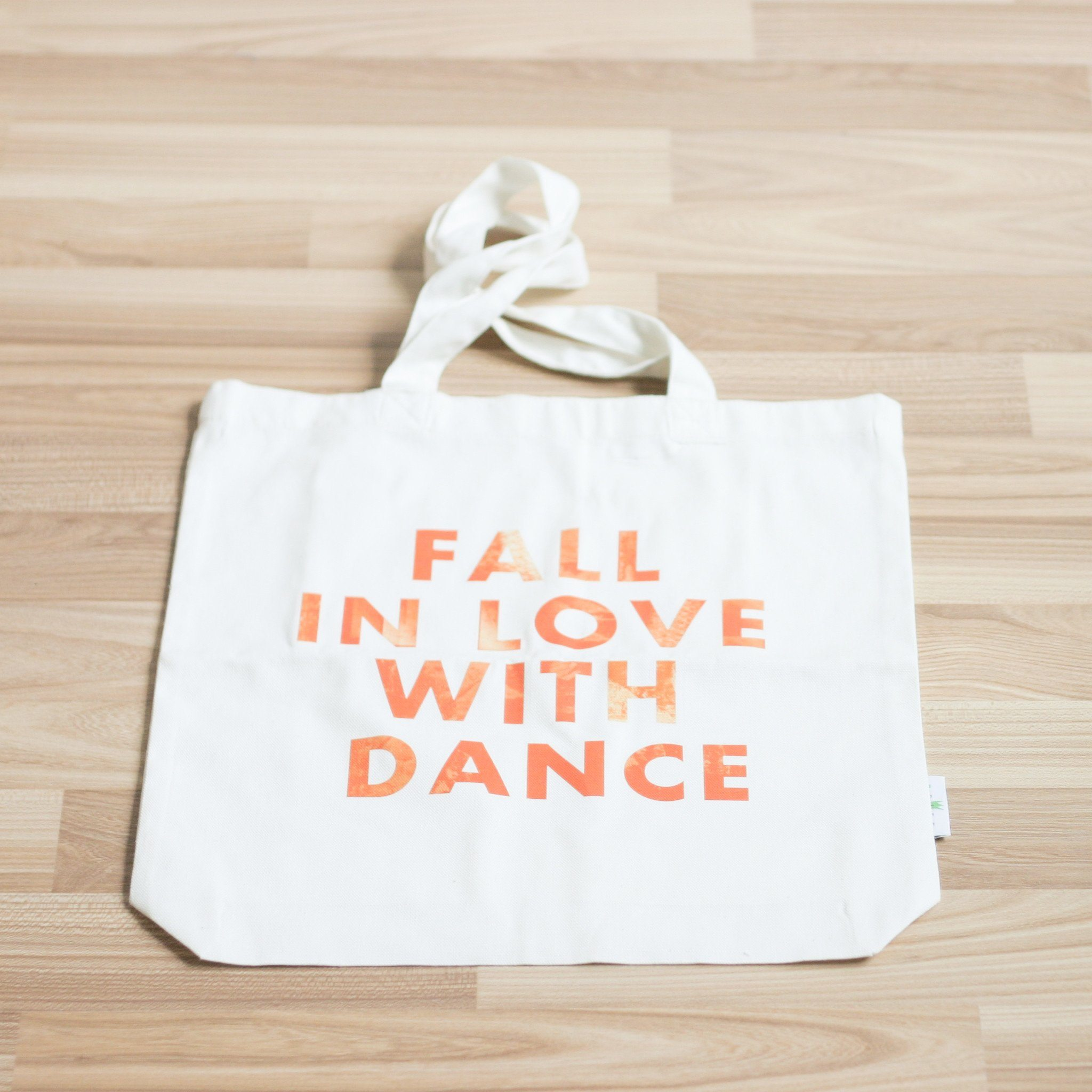 Fall in love with dance tote bag - Tote Bags - B-Diff - Naiise