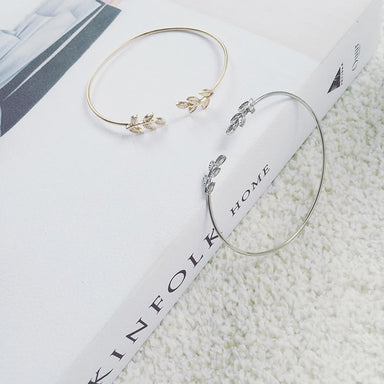 Golden Adjustable Leaves Bracelet - Bracelets - Bacteria Secret - Naiise