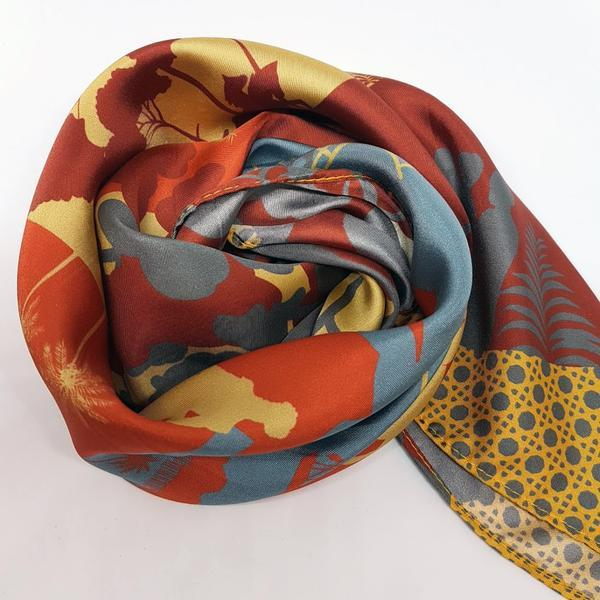 Limited Edition: Singapore Bicentennial Silk Scarves (Set of 2) Local Scarves Binary Style